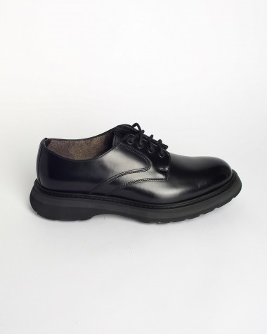 LACED SHOES-DOUCAL'S